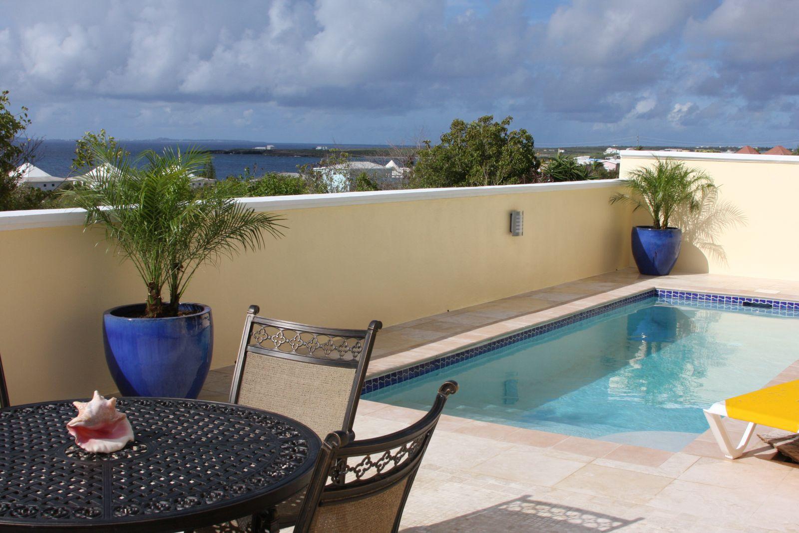 pool deck-1600
